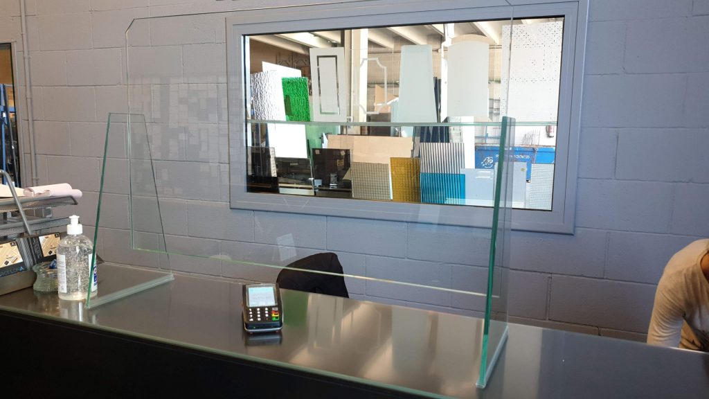 Protector de cristal en oficina